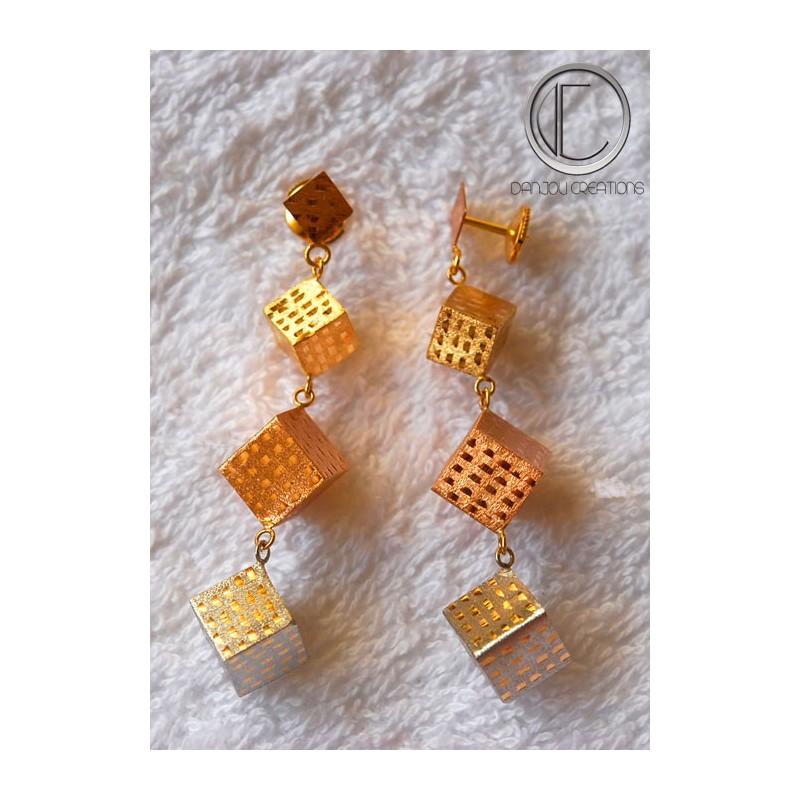 CUBIC EARRING.GOLD 750/1000