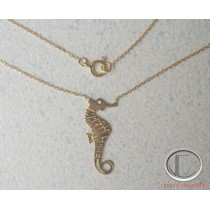 Collier hippocampe .Or 750/1000