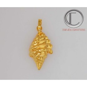 Pendentif moyenne conque.Or 750/1000