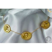 Hibiscus necklace.18cts Gold 750/1000