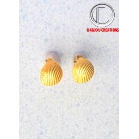 Earrings.750/1000 :
