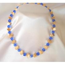 Cubic necklaces